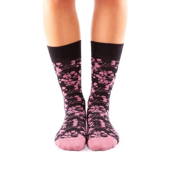 calcetines cerezos en flor frente