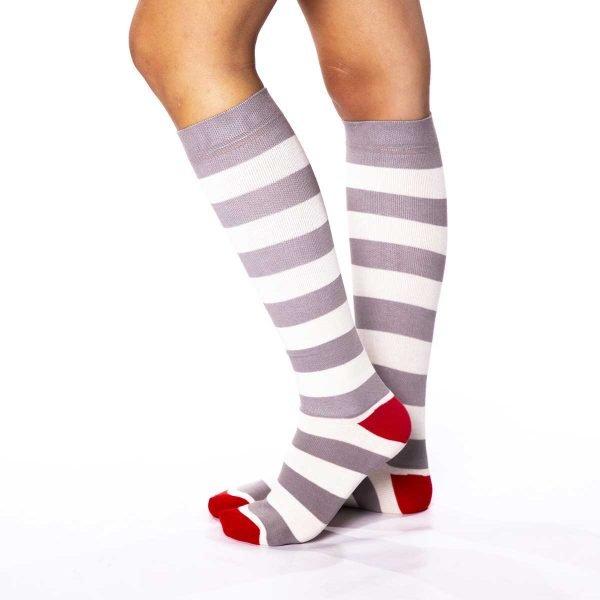 calcetines viaje rayas grises kalcetin_es