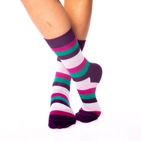 calcetines rayas de colores lilaceos kalcetin.es