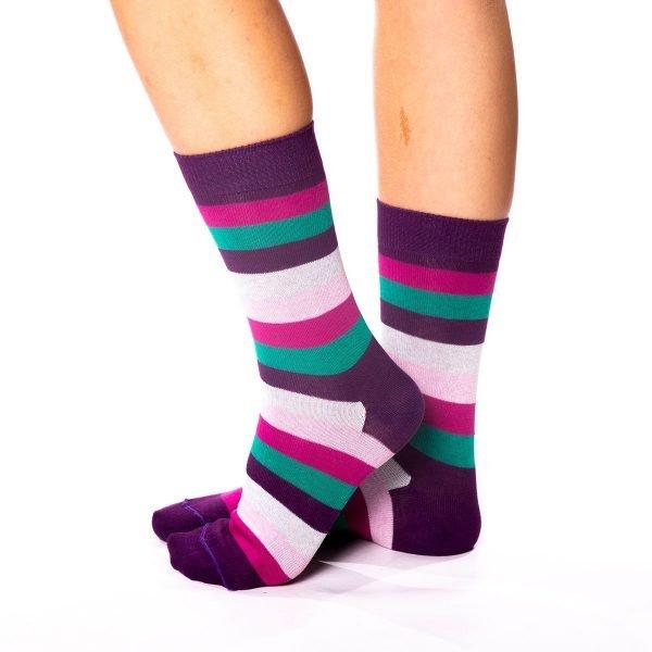 calcetines rayas de colores lila turquesa rosa