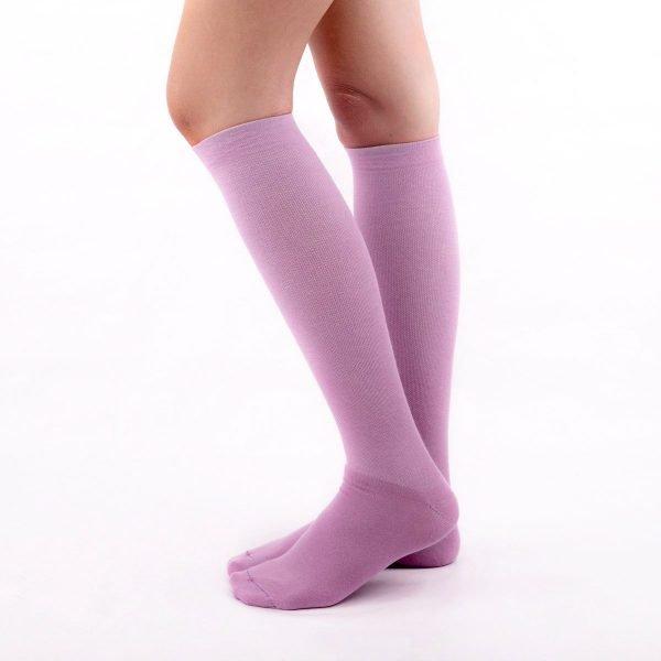 calcetines de compresion color malva lilas kalcetin.es lateral