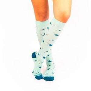 calcetines de compresion jeringuillas turquesa kalcetin.es