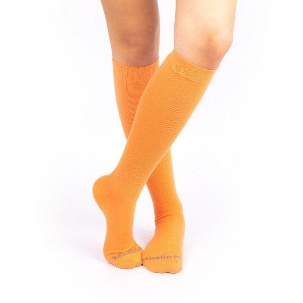 calcetines de compresion naranja color liso cruzado kalcetin.es