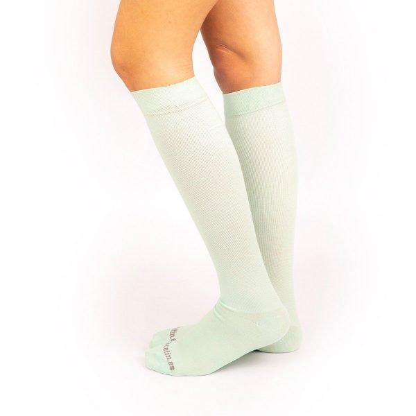 calcetines de compresión lisos verde claro