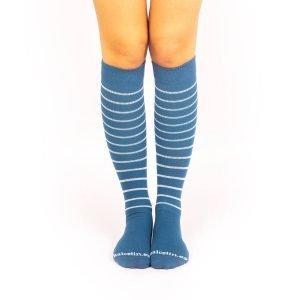 calcetines de compresion azul medio rayas finas beige frontal