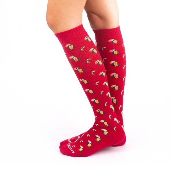 calcetines compresión tucanes fondo rojo kalcetin.es